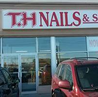 TH Nails And Spa logo
