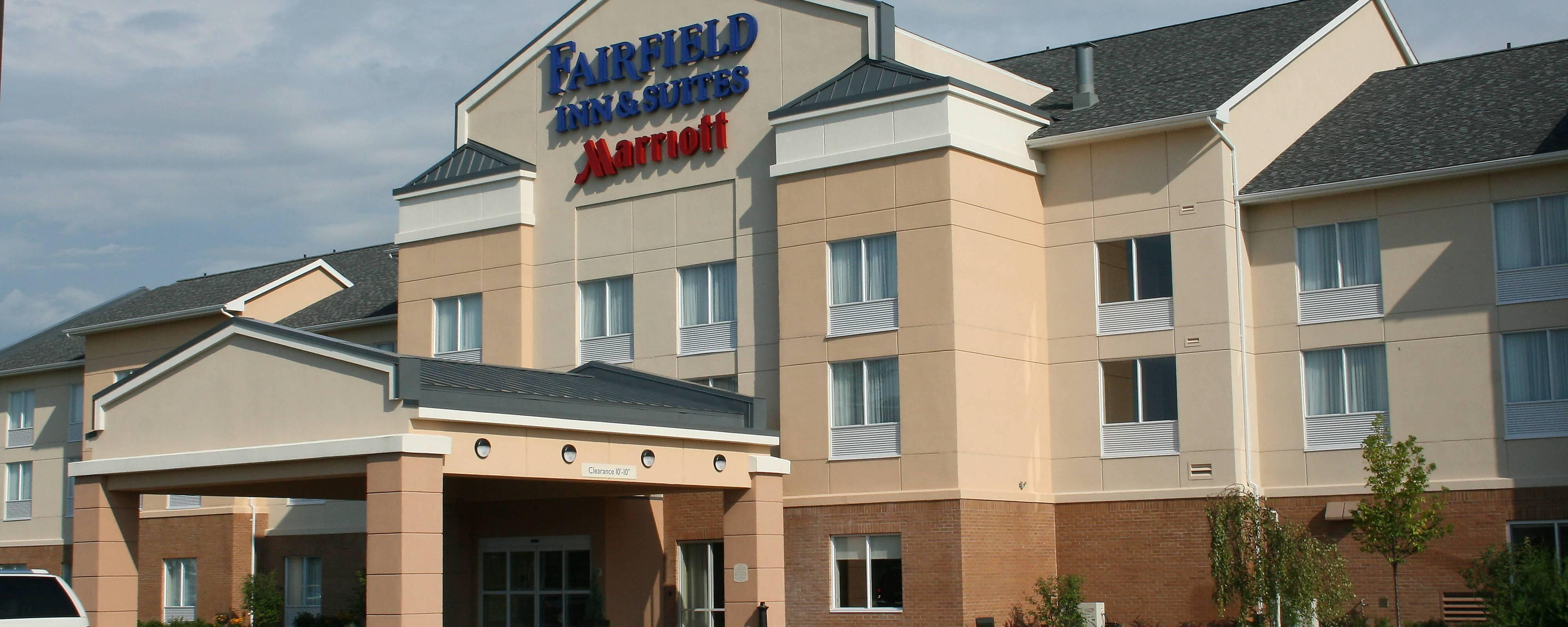 Fairfield Inn & Suites By Marriott logo